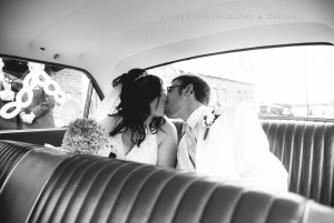 47-bride-groom-kiss-in-getaway-car