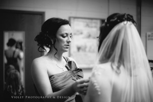 18-maid-of-honor-bride-touch-up