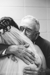 25 grandpa seeing bride for first time hug